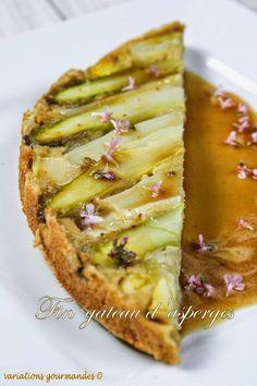 Fin gâteau d'asperges, vinaigrette huile d'olive et fleurs de thym (d'après Emmanuel Renaut)