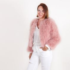 The feather bolero jacket La Fiffi in coral pink from EYES ON MISHA, perfect over party dresses or high-rise trousers, is perfect to get an extravagant, expensive-looking outfit without spending a huge amount. Rosa Coral, Coral Pink, Feather Fashion, Fur Fashion, Bolero Jacket, Ostrich Feathers, Fur Coat, Party Dress, Trousers