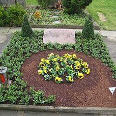 Grabgestaltung Frühjahr Cat Garden, Stepping Stones, Outdoor Decor, Plants, Home Decor, Hagen, Hedwig, Olaf, Purses