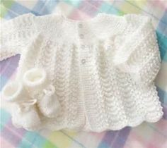 "beyaz-bebek-hirkasi ""Pure white knitted baby yarn sweater/jersey and booties set - newborn gift - white baby set - white booties - knitted white baby cloth Free Newborn Knitting Patterns, Baby Cardigan Knitting Pattern, Baby Patterns, Knit Patterns, Free Knitting, Knit Baby Sweaters, Knitted Baby Clothes, Toddler Sweater, Baby Knits"