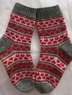 Ravelry: Project Gallery for Hearty-stripy Socks pattern by Polly McEldowney