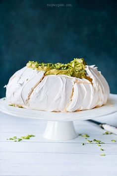 Pistacjowa Pavlova | Moje Wypieki Muffins Frosting, Pavlova, My Favorite Food, Favorite Recipes, Cupcakes, Baking Tips, Beautiful Cakes, Catering, Cravings