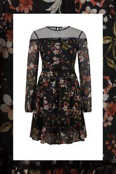 0c90cd9aa6 Czarna sukienka Liu Jo wykonana z wysokiej jakości jedwabiu. . Sukienkę  zestaw z botkami oraz