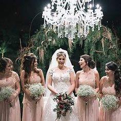 As madrinhas e os padrinhos, quem também achou super estilo a escolha dos trajes ?  .  #casamentoniinaegui #madrinhadecasamento #madrinhasderosa #madrinhasiguais #padrinhosdecasamento #padrinhosestilosos #noivasconectadas Bridesmaid Dresses, Wedding Dresses, Blog, Instagram, Fashion, Groomsmen, Suits, Style, Bridesmade Dresses
