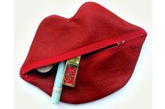 Claflin, Thayer & Co., Jojo Lips Bag In Crayon Red