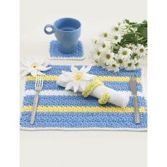 Daisy Table Setting | Free Crochet Pattern | Yarnspirations