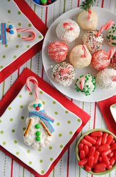 Love these Peppermint Rice Krispie Snowballs (and Snowmen) for