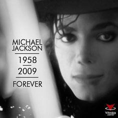 #MichaelJackson #Eterno #5anos #MichaelJacksonLivesInOurHearts Nesta quarta-feira, 25, a morte de Michael Jackson completa cinco anos mas na nossa memória ele sempre será eterno!  Ficamos alegres em poder ver, ouvir e sentir novamente a emoção do maior ídolo do pop! Reviva essa emoção conosco: http://goo.gl/ogurIv