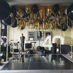 birthday black & gold party Balloon evening iDeen anniversary black and gold 🎈 # Decoration Birthday Party, 40th Birthday Balloons, 50th Birthday Party Ideas For Men, Birthday Decorations For Men, 70th Birthday Parties, 35th Birthday, Adult Birthday Party, Surprise Birthday, Husband 40th Birthday Ideas