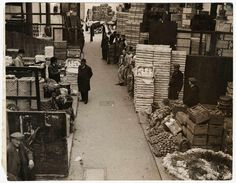 Borough Market in the early century. Vintage London, Old London, Cover Photos, Old Photos, British History, Best Cities, Family History, Walks, Past