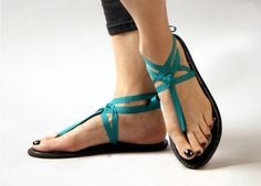 Mohops are environmentally friendly, comfortable, and best of all, allow nearly infinite design options with just one pair of wooden soles. Simply lace any ribbon through the loops.