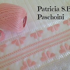 Patricia S. Decor Crafts, Diy And Crafts, Instagram Story, Instagram Posts, Needlepoint Stitches, Bargello, Ravelry, Patches, Weaving