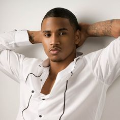 omg it it trey songz looking hot in this pic