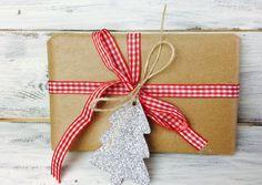 CHRISTMAS TREE TAGS Christmas hang tags by EVlovesDesign on Etsy