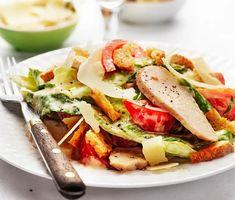 Caesarsallad | Recept ICA.se Parmesan, Cobb Salad, Salads, Sandwiches, Tacos, Vegetarian, Dishes, Chicken, Ethnic Recipes