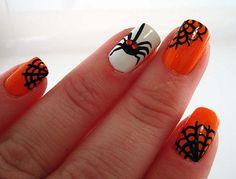 Looking for some spooky and fun nail art ideas for Halloween? We're bringing you 30 amazing Halloween nail art ideas that are easy to do and fun to wear Cute Halloween Nails, Halloween Nail Designs, Scary Halloween, Halloween Spider, Halloween Images, Happy Halloween, Halloween Tips, Women Halloween, Halloween Season