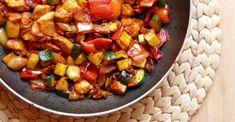 Cukkinis csirkeragu - A gyors ebéd | Femcafe Kung Pao Chicken, Ratatouille, Food Porn, Pork, Healthy, Ethnic Recipes, Sweet, Kale Stir Fry, Pork Chops