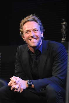 """""""More idiots should just shut their mouths.' - Chris Martin"""