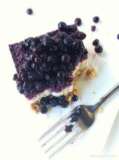 Raw Blueberry Cheesecake *This recipe is vegan, raw, gluten free, dairy free, no-bake, grain free, easy and delicious! http://www.damyhealth.com/2012/10/raw-blueberry-cheesecake/ #vegan #cheesecake #recipe