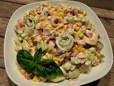 Sałatka z tortellini i pysznym sosem - Blog z apetytem Tortellini, Polish Recipes, Polish Food, Pasta Salad, Potato Salad, Potatoes, Snacks, Ethnic Recipes, Blog