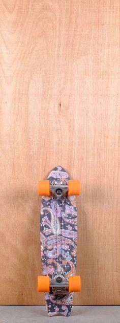 "Globe Prebuilt 23"" Bantam ST Paisley Skateboard Complete  I want it"