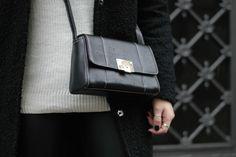 monochrome style bykrog fashion strret style teddy coat leather leggings white turtleneck markberg Marie jedig