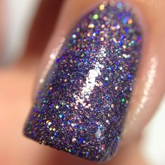 Macro of SuperChic Lacquer She Wears the Pants with Holo-POP and Marvel Liquid Macro top coat in direct light @wonderbeautypro