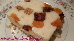 Kuru meyveli sütlü irmik tatlısı. http://sebneminevhali.blogspot.com.tr/2015/02/kuru-meyveli-sutlu-irmik-tatlisi.html