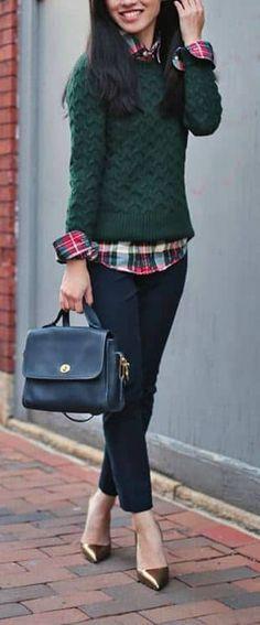 Festive but Fashionable Christmas Outfit  falloutfit  womanoutfit   fallfashion Plaid Fall Outfits 487f74c3c70d8