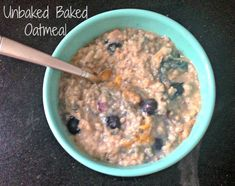 Super easy and delicious Unbaked Baked Oatmeal! - The Cookie ChRUNicles #oatmeal #skoop