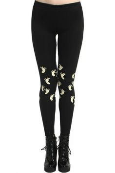 """""""Little Feet"""" Black Leggings. Description Black leggings, featuring an elasticated, high-rise waist, contrasting little feet print on laps, a delicate length and a soft touch. Fabric Cotton. Washing 40 degree machine wash, do not bleach, do not tumble dry, cool iron on reverse, do not dry clean. #Romwe"""