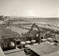 Barceloneta banys S.Sebastiá anys 60 (f. Barcelona City, Paris Skyline, Travel, Vintage, Black, B W Photos, Old Photography, Antique Photos, Notes