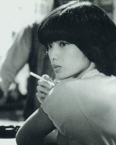 ... Women Smoking Cigarettes, Cigarette Girl, Blue Lantern, 80s And 90s Fashion, 80s Aesthetic, Yamaguchi, Music People, Girl Smoking, Japan Girl