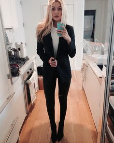 c7c98d693466 Pin for Later  11 Apartment Styling Lessons We Can All Learn From Gigi  Hadid (and Her Mom) White Kitchens Never Go Out of Style Gigi s all-white  kitchen ...