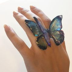 We're having weirdly warm weather here in SoCal, perfect for launching our new video on how to make 3-D Butterflies! Use the Doming Technique and our Clear Phot