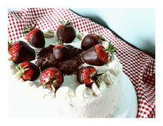 Erdbeertorte Schwarzwälder Art / Black Forest Style Strawberry Cake – Kuchenphilosophie