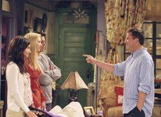 Joey, Monica, Phoebe, Chandler ~ Friends Episode Pics ~ Season Episode The One Where Rachel Tells Friends Season 8, Friends Episodes, Tv Episodes, Monica Gellar, Chandler Friends, Matt Leblanc, Matthew Perry, Episode 3