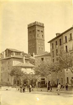 Turoliense: Paseo del Óvalo, Teruel Ghibli, Notre Dame, Buildings, 3d, How To Plan, Drawings, Travel, Image, War
