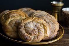 Greek Sweets, Greek Desserts, Greek Recipes, Desert Recipes, Vegan Recipes, Sweet Buns, Sweet Pie, Sweet Bread, Cyprus Food