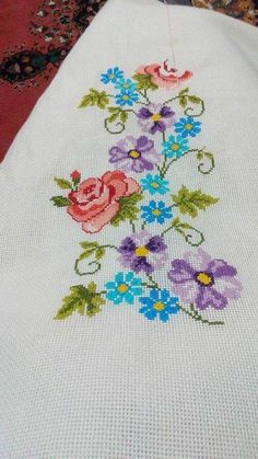This Pin was discovered by Nur Easy Cross Stitch Patterns, Simple Cross Stitch, Cross Stitch Rose, Cross Stitch Borders, Cross Stitch Flowers, Cross Stitch Charts, Cross Stitch Designs, Ribbon Embroidery, Cross Stitch Embroidery
