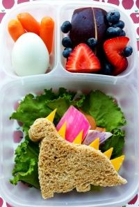 easy lunch ideas , very cool site with tons of lunch box ideas.