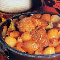 ART TRAVEL Crete, Pot Roast, Ethnic Recipes, Travel, Food, Carne Asada, Roast Beef, Viajes, Eten