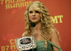 Taylor Swift - 2007 CMT Music Awards - Nashville, TN. - April 16, 2007. | Press Room