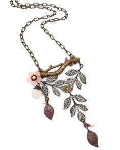 Vintaj is one of my favorite source of jewelry products. this necklace idea is called Woodland Blush.