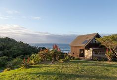 These 10 remote cottages are perfect for two. From sharing, this is our pick of the cosiest couples' accommodation in South Africa. Holiday Places, Holiday Destinations, South Afrika, Romantic Getaways, Beach Cottages, Africa Travel, Weekend Getaways, Lodges, The Great Outdoors