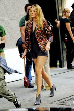 How to dress like Serena Van Der Woodsen