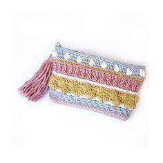 Crochet amigurumi tutorial stitches ideas for 2019 Free Crochet Bag, Crochet Pouch, Crochet Amigurumi Free Patterns, Love Crochet, Knit Crochet, Amigurumi Tutorial, Dmc Natura Xl, Crochet Needles, Baby Girl Crochet