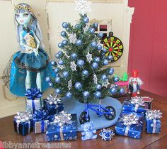 BARBIE OOAK MONSTER HIGH~BRATZ DOLL HOUSE CHRISTMAS TREE FURNITURE FOR 1:6 SCALE