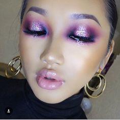 Purple glitter pop of color eyeshadow. #purple #pink #glitter #nudelip #makeup