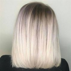 Check out this gorgeous rooty blonde bob by Kesli Johnson ( owner of Grow Salon in Seattle. We have the color formula and how-to! Blonde Ombre Hair, Cool Blonde, Ombre Hair Color, Blonde Balayage, Root Smudge Blonde, Blonde Roots, Bleach Blonde Hair With Roots, Blonde Hair Without Damage, Bleach Blonde Bob